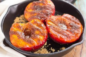 Weekend Recipe: Grilled Peaches with Cinnamon and Brown Sugar